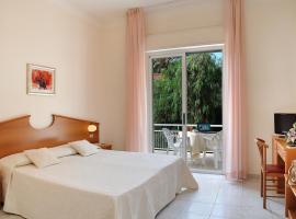 Hotel Helios, отель в Диано-Марина
