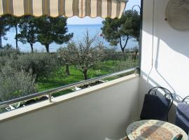 Apartment Oliva with sea view, Ferienwohnung in Fažana