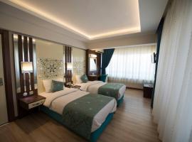 Ozlu Hotel, hotel in Aydın