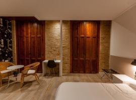 Host & Home, habitació en una casa particular a València