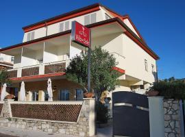 Villa Del Sole, hotel in Terracina
