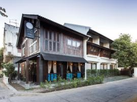 ONCE (upon a time) Chiang Mai Home, guest house in Chiang Mai
