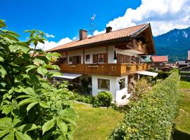 Ferienhaus Andreas, guest house in Krün