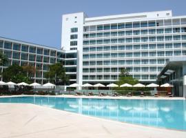 Swissôtel Grand Efes Izmir, hotel v destinaci Izmir