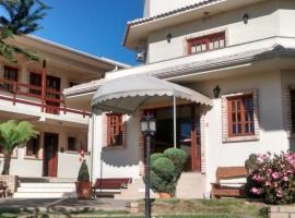 Villa Apart Hotel, apartment in Lages