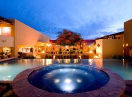 Hotel Los Patios, hotel en Cabo San Lucas