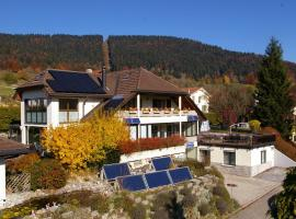 BnB Villa Moncalme, hotel near Creux du Van, Travers