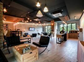 Get Zleep Premium Budget Hotel โรงแรมใกล้ มหาวิทยาลัยเชียงใหม่ ในเชียงใหม่