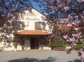 Hôtel Le Baudiere & Spa、Saint-Beauzireのホテル
