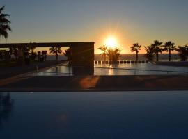 Capital Coast Resort And Spa, hotel in Paphos City