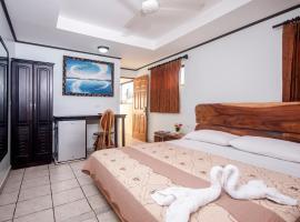 Cadillac Rock Beach Hotel, hotel in Jacó