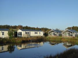 Vakantiepark Dennenoord, resort village in Den Burg