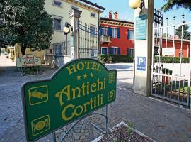 Hotel Antichi Cortili, hotel in zona Ponte di Castelvecchio, Dossobuono