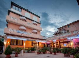 Hotel Sileoni, hotel in Marina di Cecina
