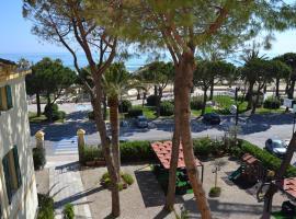Hotel Quattropalme, hotel in Tortoreto Lido