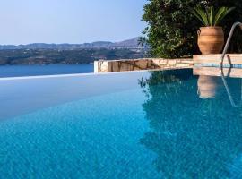Villa Silvia Heated Pool & Jacuzzi, hotel near Ancient City of Aptera, Megála Khoráfia