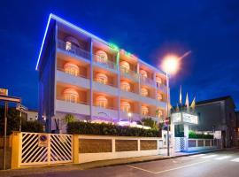 Hotel Sileoni Dépendance Villa Antonio, hotell i Marina di Cecina