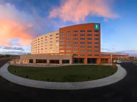 Embassy Suites Loveland Hotel, Spa & Conference Center, hotel near Hughes Stadium, Loveland