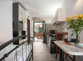 Apartments & Room Kartolina, hotel near Split Archaeological Museum, Split