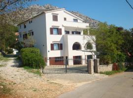 Apartments Vukelić, apartment in Starigrad-Paklenica