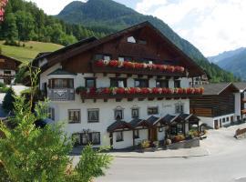 Hotel Lammwirt, hotel in Jerzens