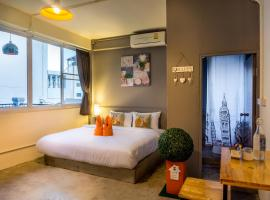 Love CNX Guesthouse, guest house in Chiang Mai