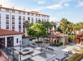 PortAventura® Hotel El Paso - Includes PortAventura Park Tickets, hotel a Salou