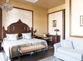 PortAventura Lucy's Mansion - Includes PortAventura Park Tickets, hotell nära Reus flygplats - REU, Salou