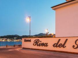 Hotel Riva del Sole, hotel near Marina di Campo Airport - EBA,