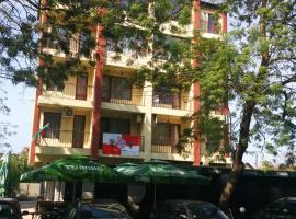 Central Park Family Hotel, hotel in Kavarna