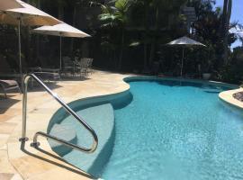 Metzo Noosa Resort, resort in Noosaville
