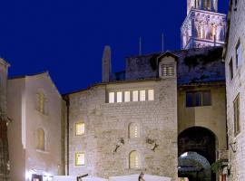 Hotel Vestibul Palace & Villa - Small Luxury Hotels Of The World, hotel in Split