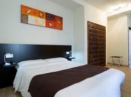 EL POZO Beach & Boutique Hotel, hotel en Torremolinos