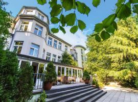 Hotel Waldhaus-Langenbrahm, hotel near Fair Essen, Essen