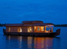 Abad Premium House Boat, hotel in Alleppey