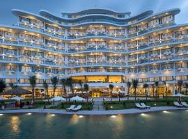 Cam Ranh Riviera Beach Resort & Spa, resort in Cam Ranh