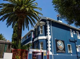 Big Blue Backpackers, hostel in Cape Town
