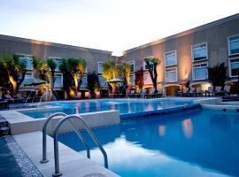 Plaza Camelinas Hotel, hotel en Querétaro