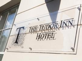 The Tudor Inn Hotel, hotel near Chelsea Bridge, London