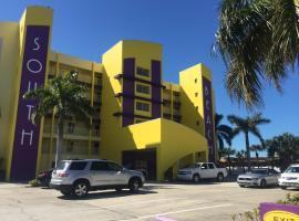 South Beach Condo Hotel, hotel near Dolphin Marine Rentals, St Pete Beach
