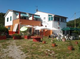 Hotel VILLA CRISTINA, hotel in Marina di Campo