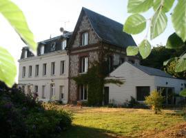 Les Sous Bois, B&B in Saint-Laurent-de-Brévedent