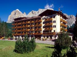 Hotel Villa Argentina, hotel in Cortina d'Ampezzo