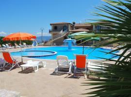 Hotel Villaggio Gran Duca, hotell i Briatico