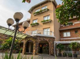 Hotel Villa Morra Suites, hotel in Asunción