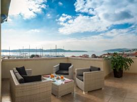 Hotel Rotondo, hotel with pools in Trogir
