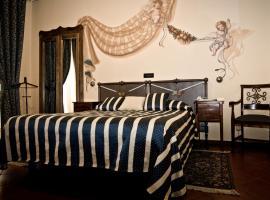 Hotel Regina, hotell i Pinerolo
