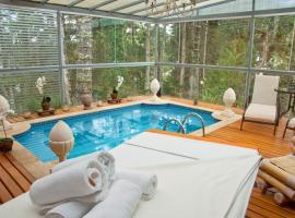 Villa Casato Residenza Boutique, hotel with pools in Campos do Jordão