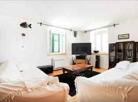 Torriano Holiday Home, hotel in Šibenik