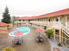 Red Lion Inn & Suites Redding, hotel in Redding